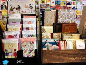 Karten und italienische Papiere